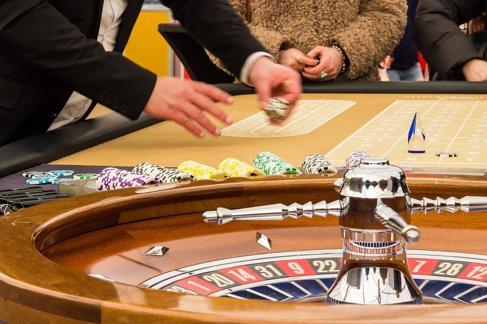 Kasinobonukset mahdollistavat pelaamisen kasinon laskuun.